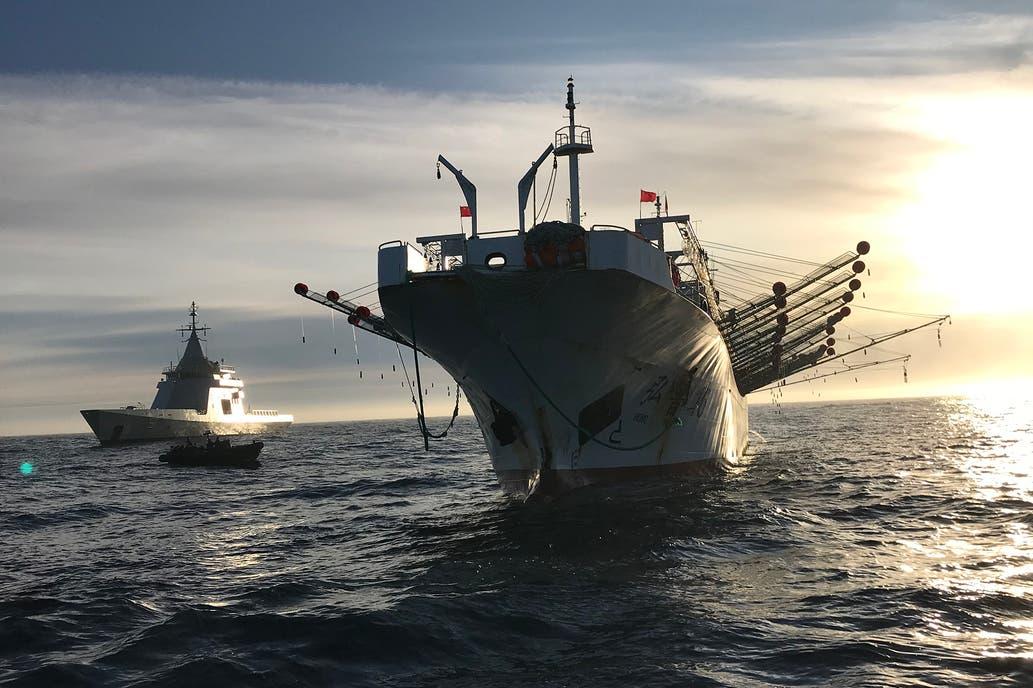 La Argentina marítima: Atlántico sur, pesca ilegal y usurpación británica